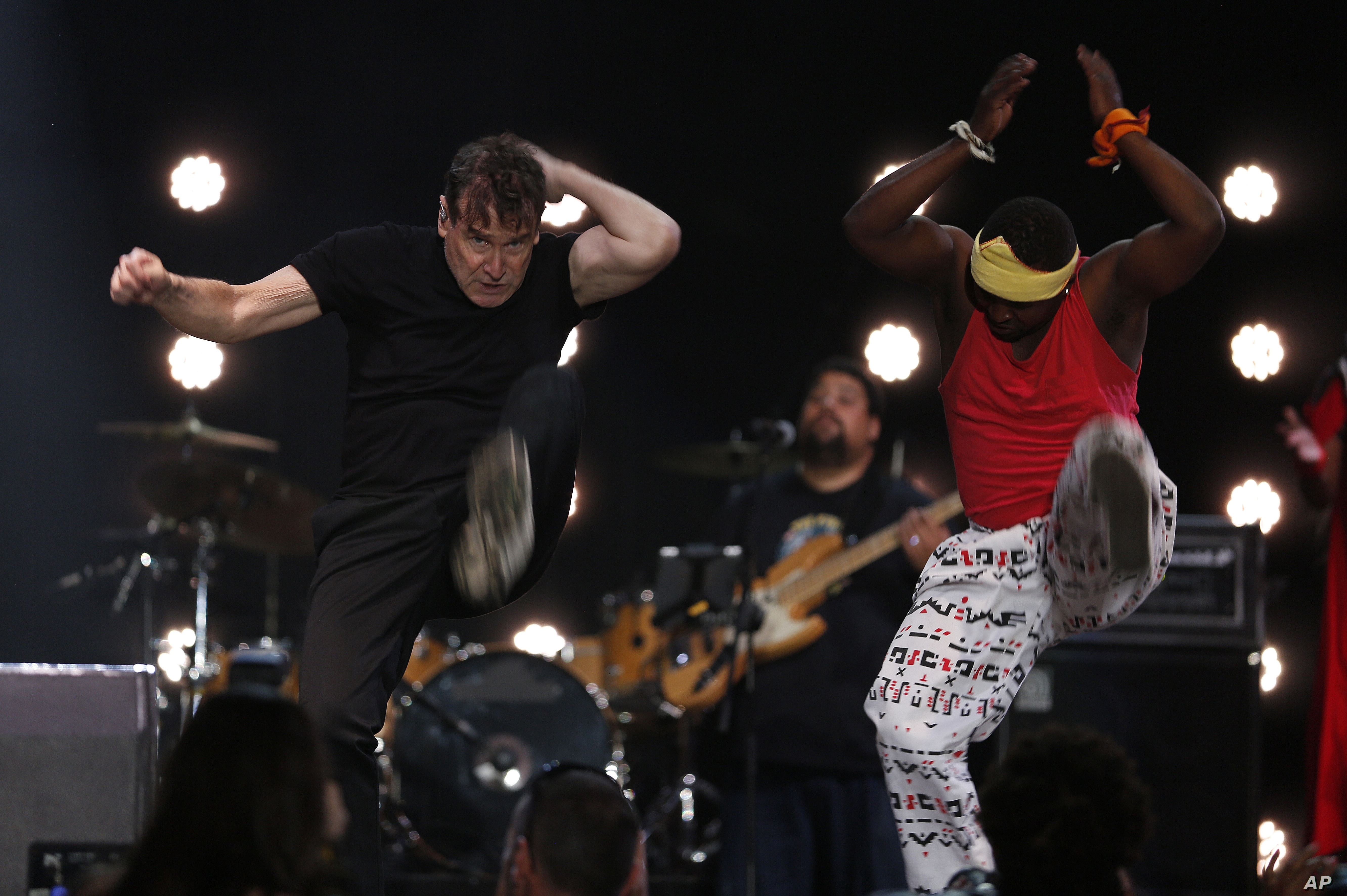 South Africa Mourns 'White Zulu' Johnny Clegg